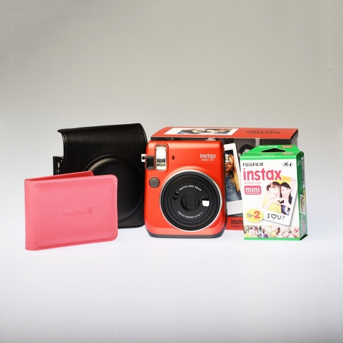 Instax Mini 70 - Passion Red / Enthusiast Kit