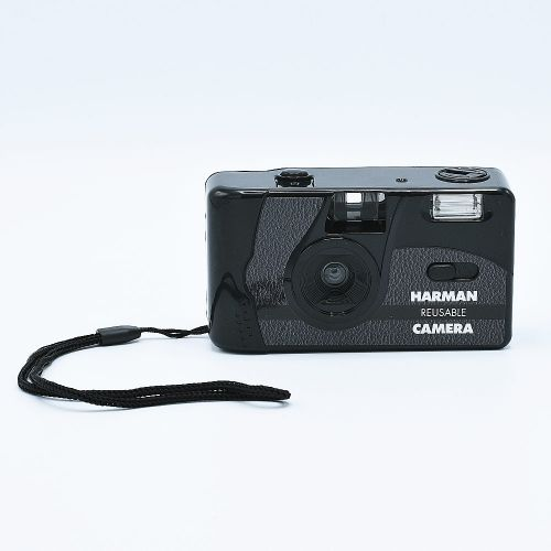 Harman Reusable 35mm Camera with Flash + 2x Kentmere PAN 400 Film