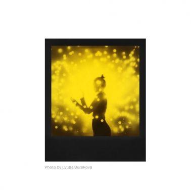 Polaroid 600 Black & Yellow Duochrome Instant Film
