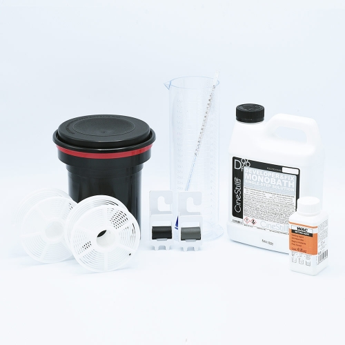 Starter Kit for Black-and-White Film Developing - CineStill / 1000ml